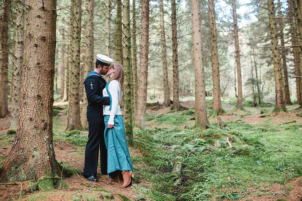 engagement-shoot-balmaha-loch-lomond-3-14
