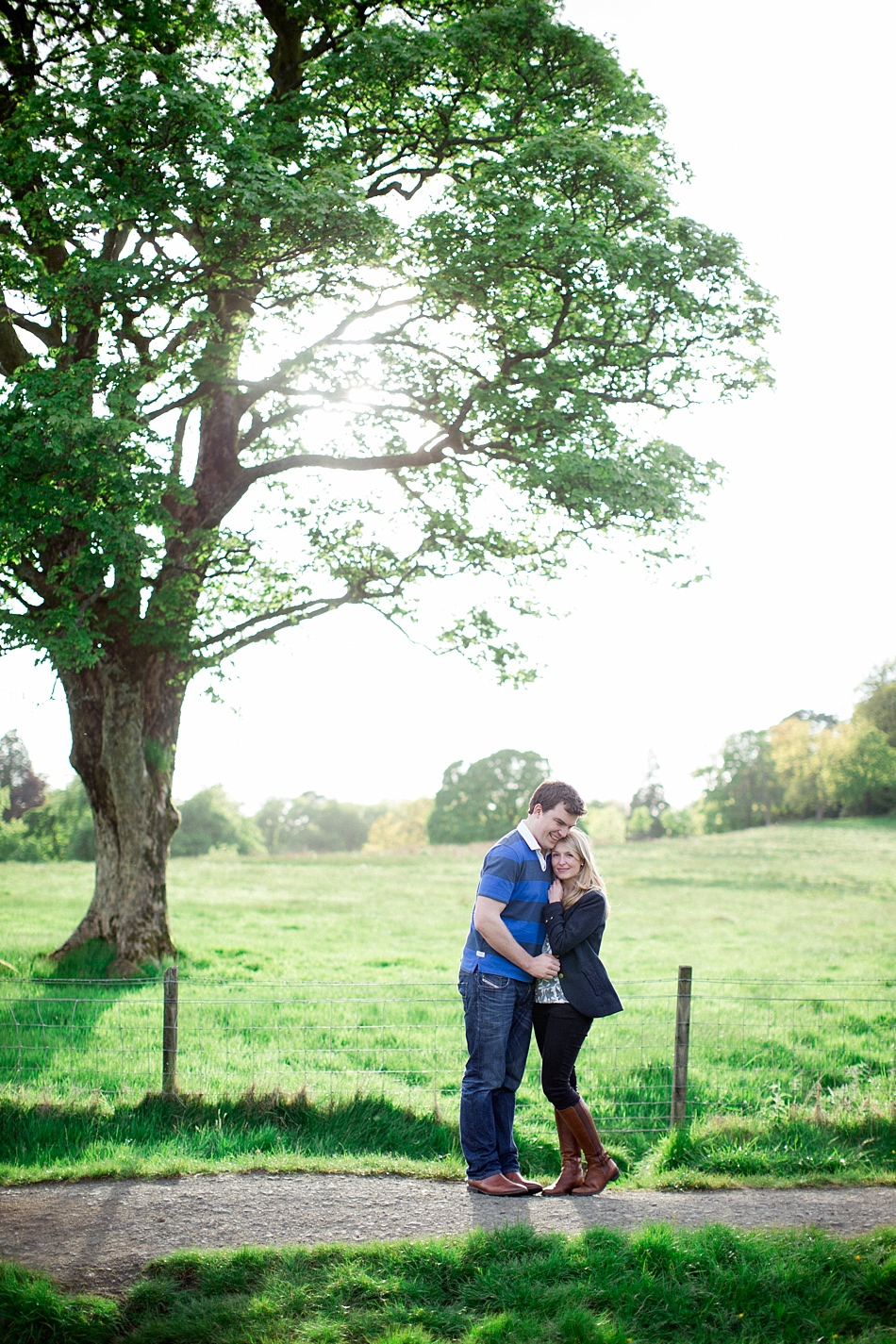 engagement photography mugdock park -10.jpg