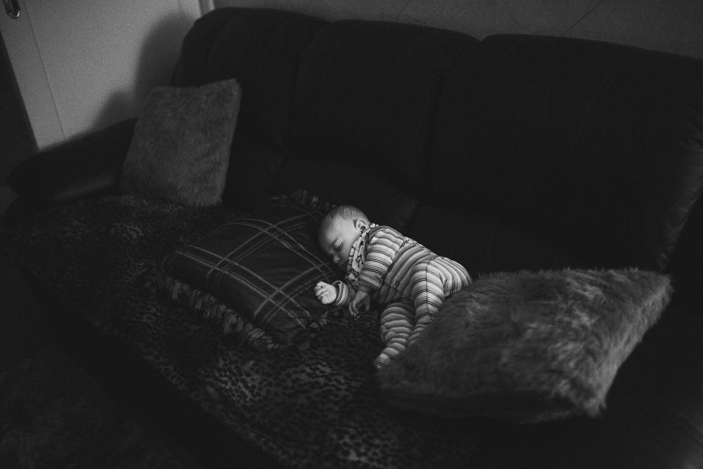 Baby Photographers Glasgow,The Gibsons,lifestyle family photography glasgow,lifestyle family shoot glasgow,newborn lifetsyle photographers,photographers Glasgow,