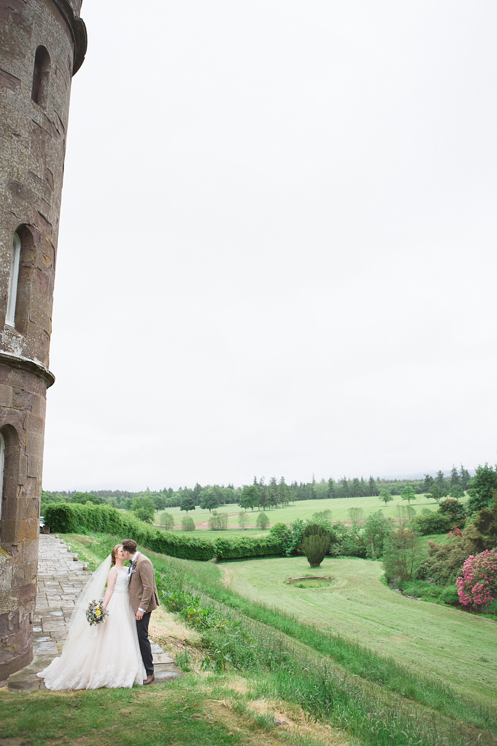 wedding Strathallan castle 8-4.jpg