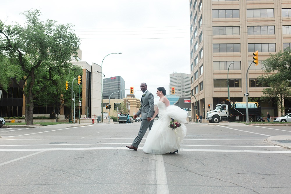 First look city wedding Winnipeg, Manitoba, Canada » The Gibsons