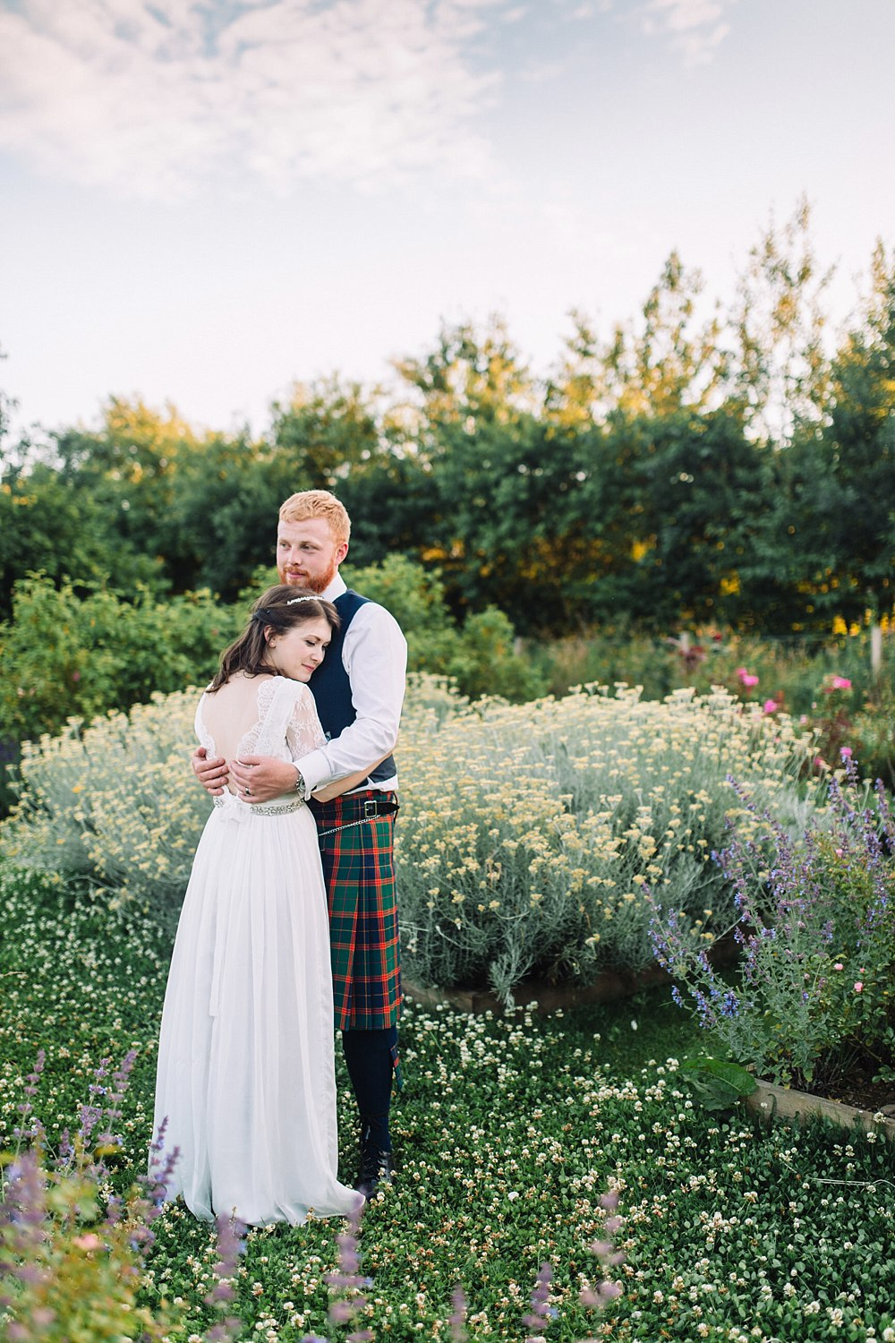 creative romantic relaxed light airy wedding photographers Scotland 12-4.jpg