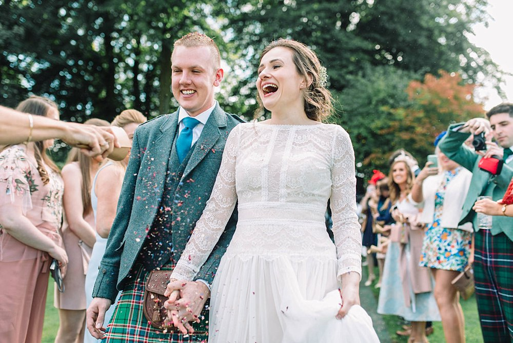 Tullibole Castle outdoor wedding Scotland 21-13.jpg