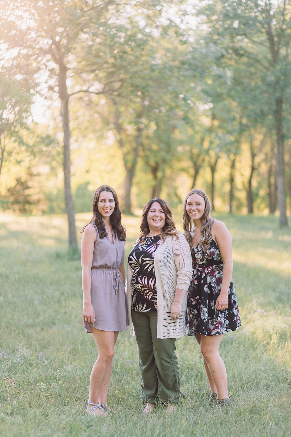 The Gibsons,family photography winnipeg: winnipeg family photographers,golden hour family shoot,henteleff park,