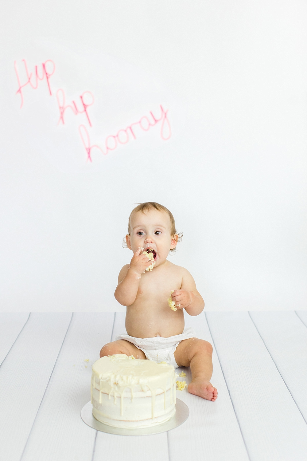 The Gibsons,cake smash,cake smash glasgow,family photographer glasgow,sitter session glasgow,