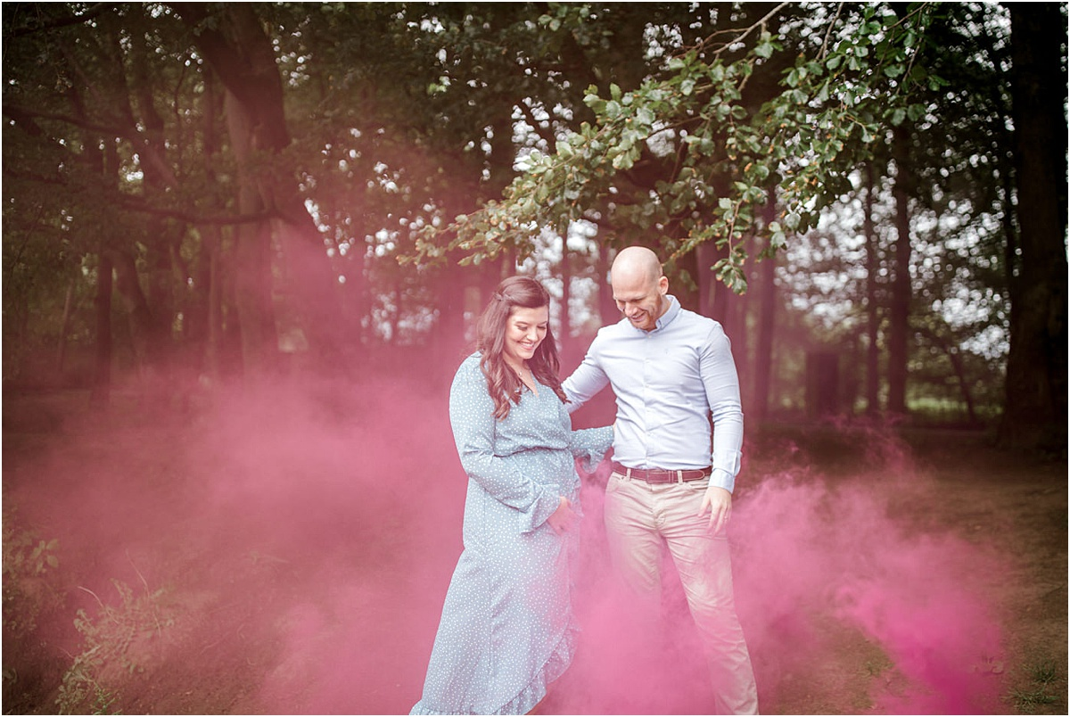 Family photographers Glasgow,The Gibsons,gender reveal shoot,gender reveal shoot Pollok Park,maternity shoot,