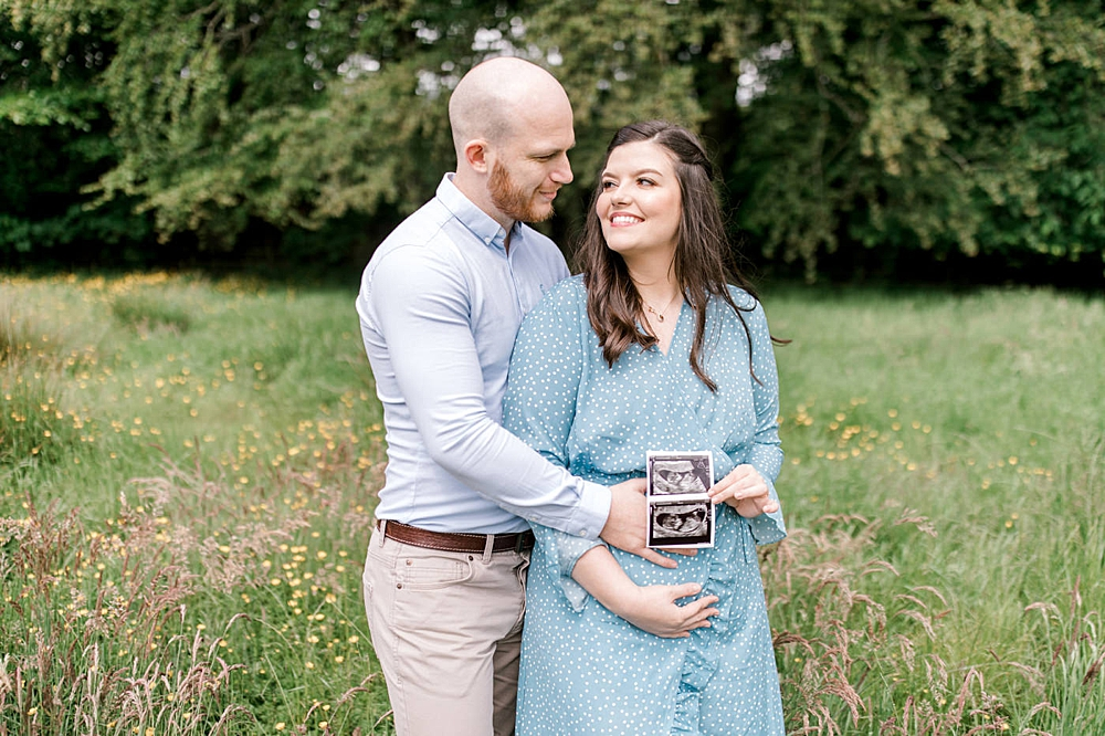 The Gibsons,family photographer glasgow,gender reveal,gender reveal shoot Glasgow,maternity shoot Glasgow,