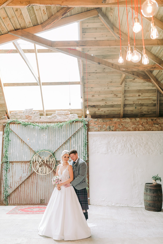 Rainy outdoor and indoor wedding photos 0044.jpg