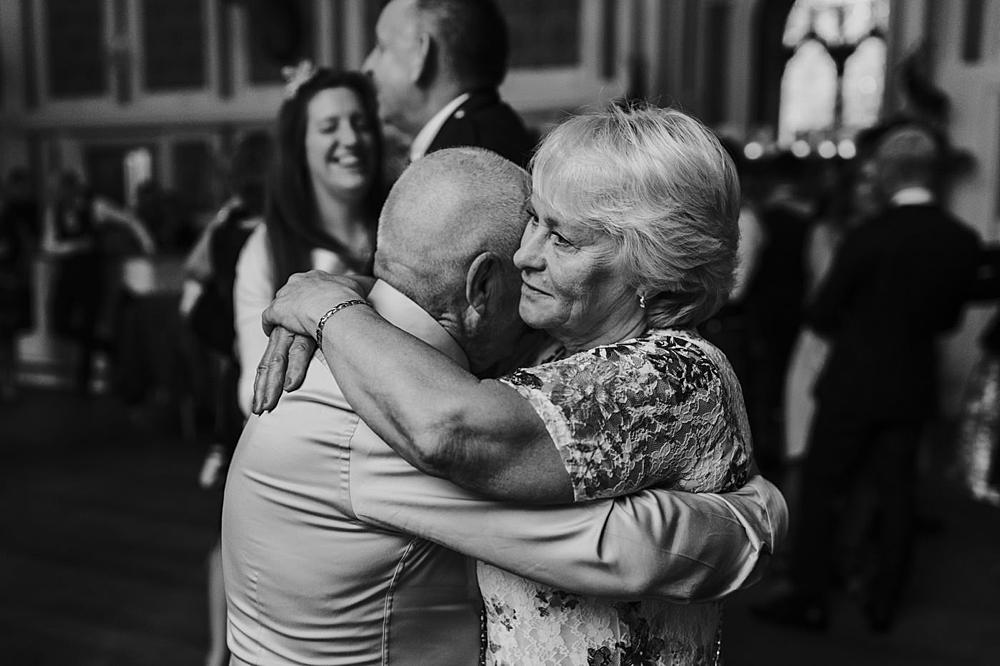 Scottish weddings dancing & fun 0096.jpg